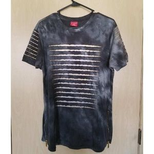 Urban ripped tee with zipper accents